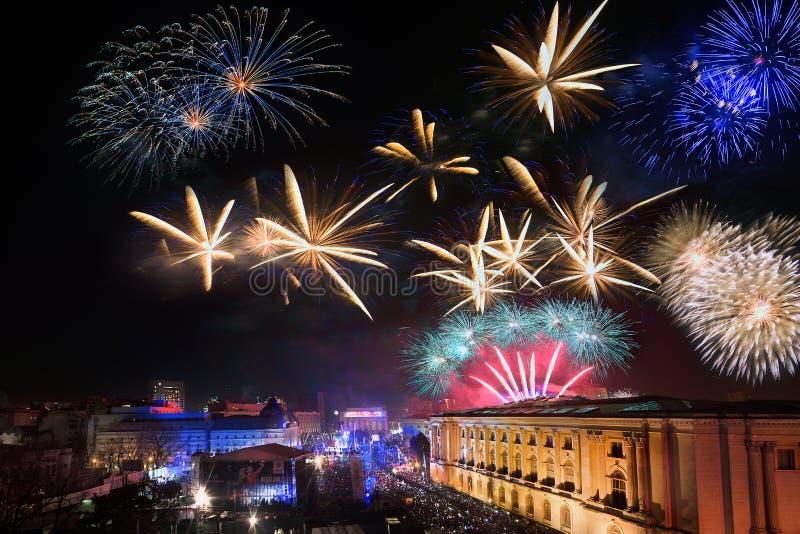 Bucharest linia horyzontu z fajerwerkami, widok z lotu ptaka zdjęcia stock