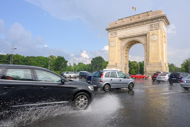 Bucharest po ulewnego deszczu i burzy, Bucharest miasto po ulewnego deszczu podczas lato czasu obraz royalty free