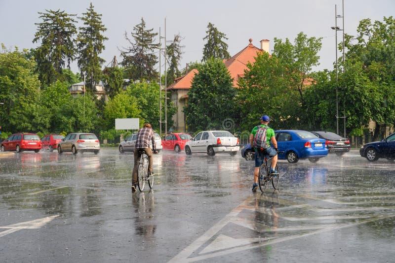 Bucharest po ulewnego deszczu i burzy, Bucharest miasto po ulewnego deszczu podczas lato czasu zdjęcie royalty free