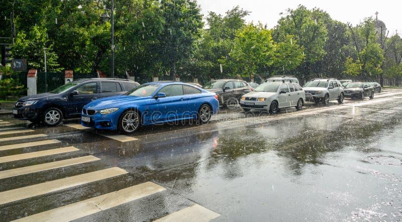 Bucharest po ulewnego deszczu i burzy, Bucharest miasto po ulewnego deszczu podczas lato czasu obrazy royalty free