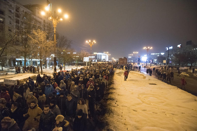 Bucharest protest mot regeringen arkivfoton
