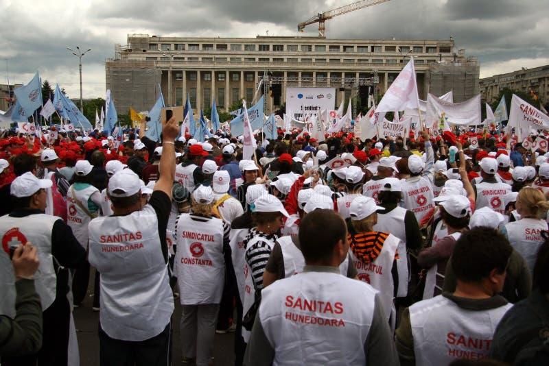 Bucharest-Protestanten vor dem Governement stockbilder