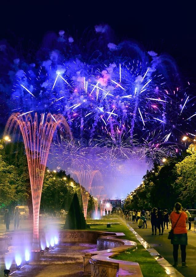 Bucharest rocznicowi dni, fajerwerki przyjęcie i świętowanie, obraz stock