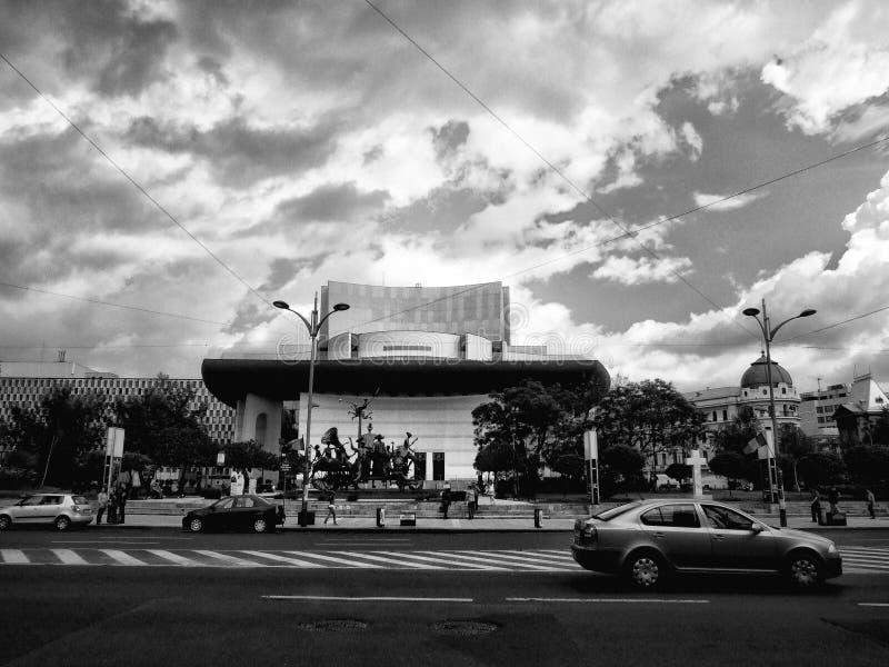 Download Bucharest teatr narodowy zdjęcie stock editorial. Obraz złożonej z chmury - 53792673