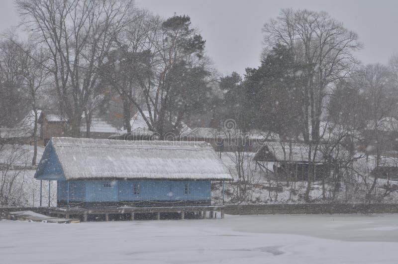 Bucharest wioski muzeum podczas ciężkiego opad śniegu fotografia royalty free