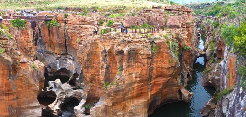 Buche di fortuna del ` s di Bourke nel Sudafrica - le acque infuriantesi hanno creato un sito geologico sconosciuto immagine stock libera da diritti