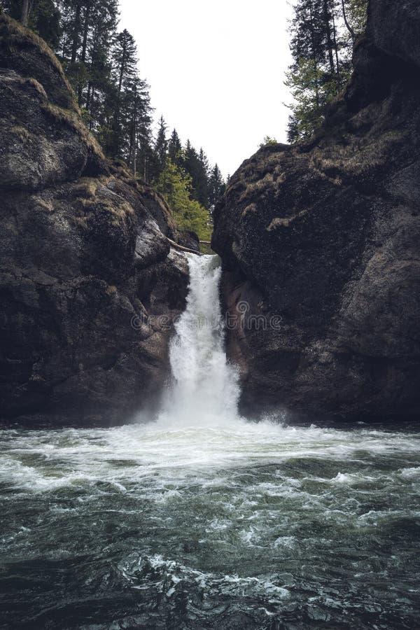Buchenegger Wasserfälle w krajobrazie bavaria zdjęcie stock