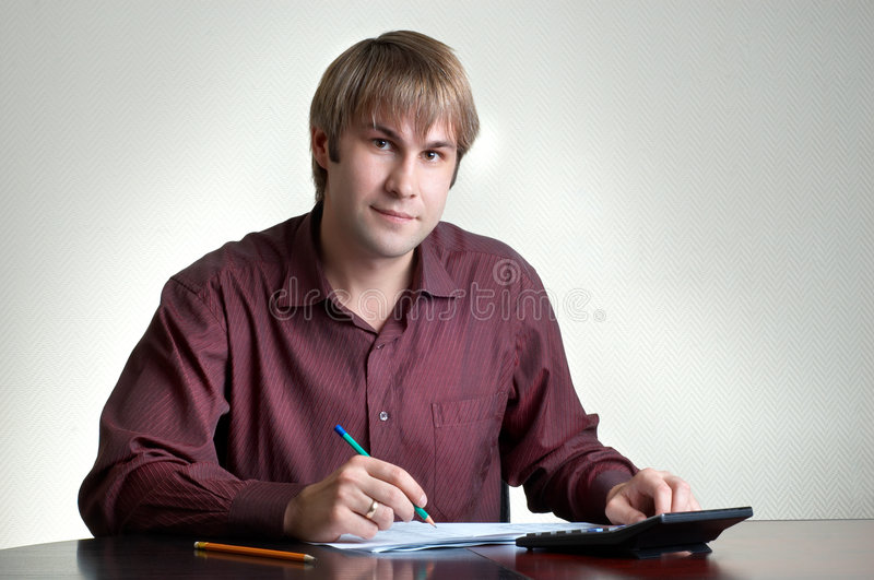 Buchhalter bei der Arbeit lizenzfreie stockfotos
