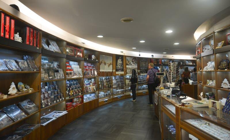 Buchhandlung der Vatikan-Museen stockfotos