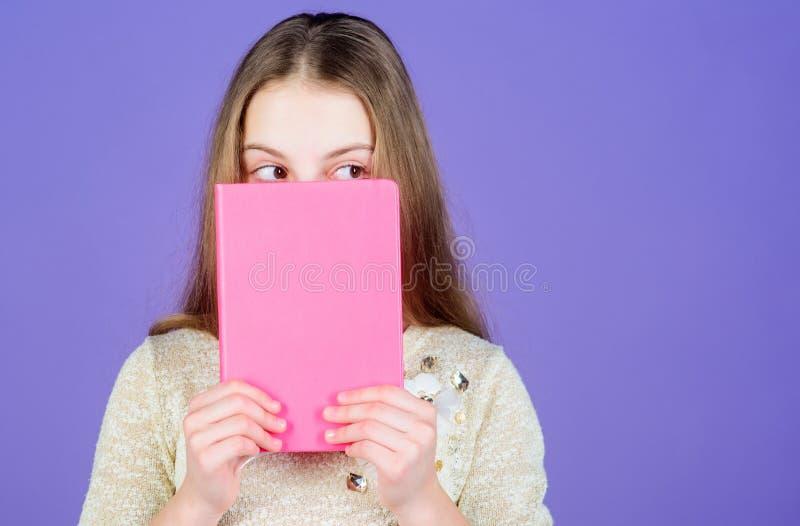 Buchkonzept Kluge Zitate Kindheitsliteratur Entwicklung und Ausbildung Lesef?higkeit Pers?nliches Tagebuch lehrbuch lizenzfreie stockfotos