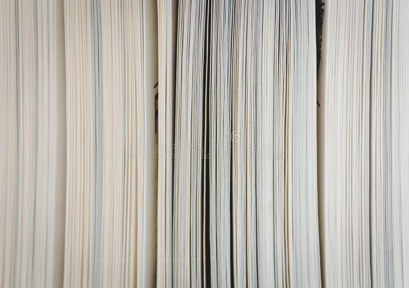 Buchseiten schließen oben stockbilder