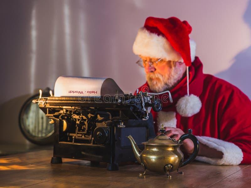 Buchstabe von Santa Claus Glückwunschmitteilung stockfotos