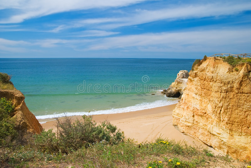 Bucht am Praia DA Rocha lizenzfreie stockbilder