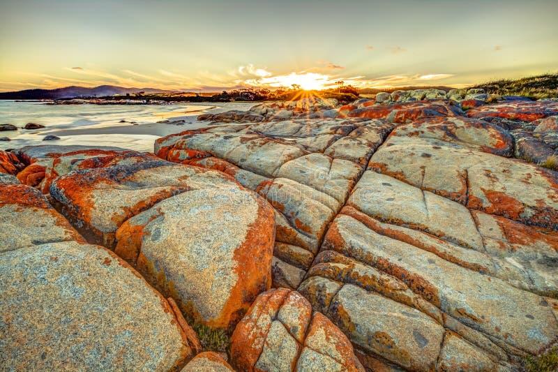 Bucht von Feuern bei Sonnenuntergang lizenzfreies stockfoto