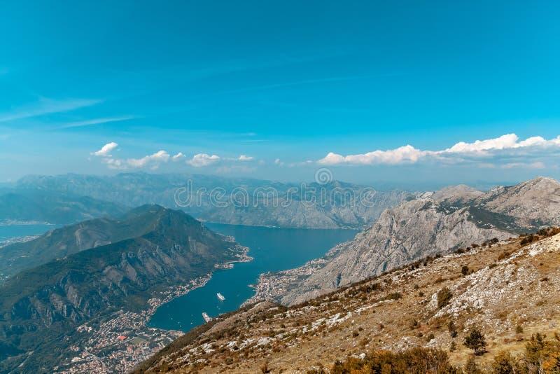 Bucht von Kotor von den Höhen lizenzfreie stockfotografie