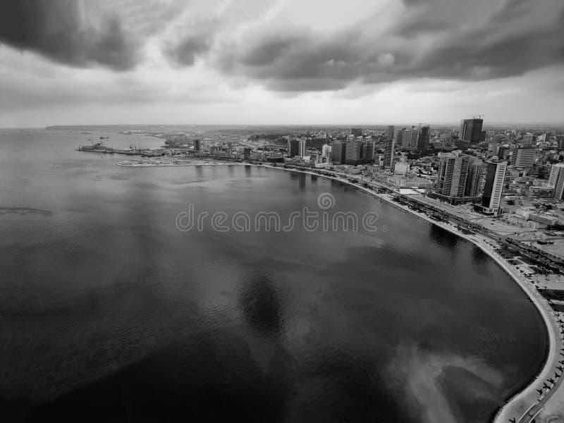 Bucht von Luanda, Luanda, Angola lizenzfreie stockfotos