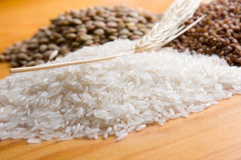 Buchweizen, Reis und Linse stockfoto