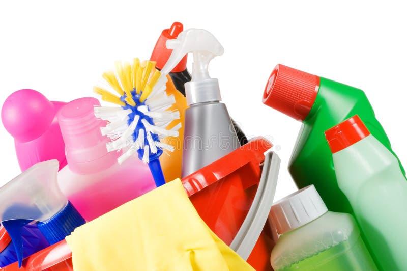 Bucket limpando com os líquidos da lavagem da louça imagens de stock