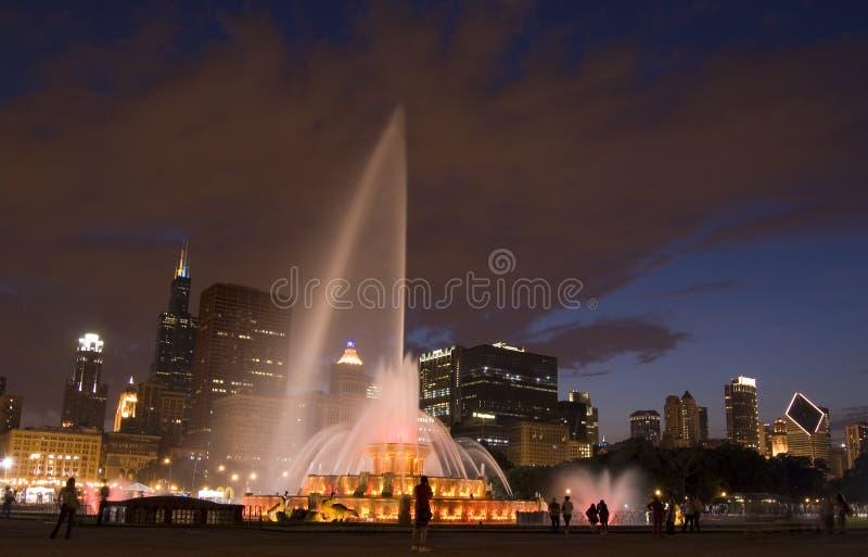 Buckingham Brunnen bis zum Nacht stockfotografie