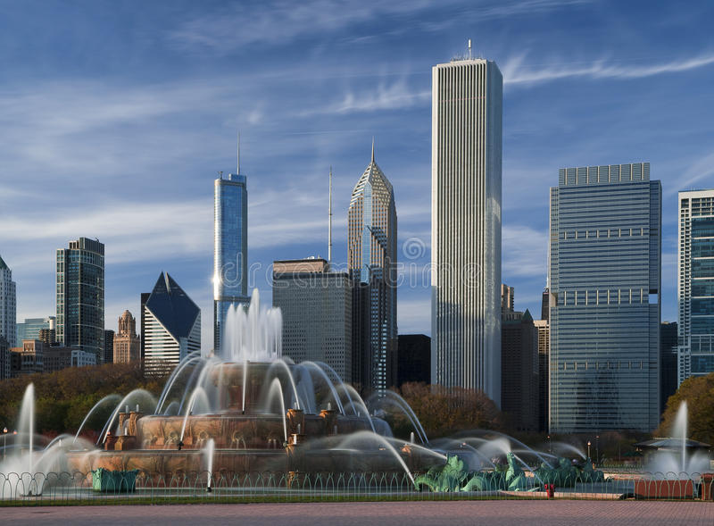 Download Buckingham Fountain stock photo. Image of cityscape, hotel - 17522202