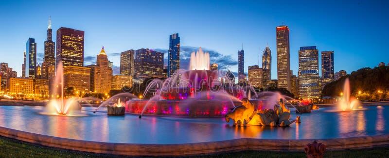 Buckingham fountain. Chicago skyline panorama with skyscrapers and Buckingham fountain at twilight royalty free stock photos