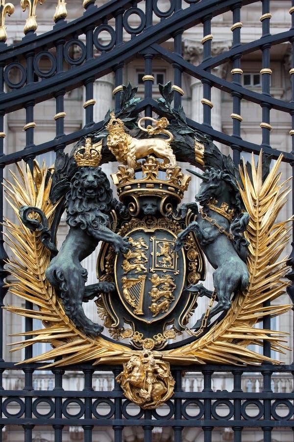 buckingham grzebienia bramy pałac królewski zdjęcia royalty free