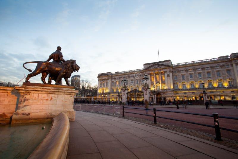 Buckingham Palace à Londres, Angleterre, R-U photos libres de droits
