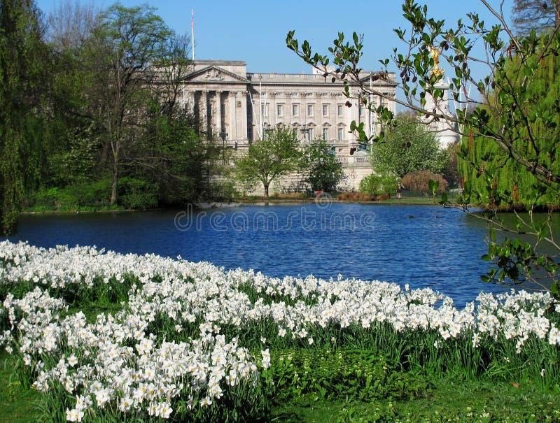 Download Buckingham palace stock photo. Image of royal, city, travel - 14111596