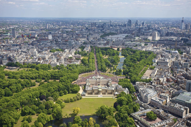 Download Buckingham Palace stock photo. Image of mall, aerial - 19624472