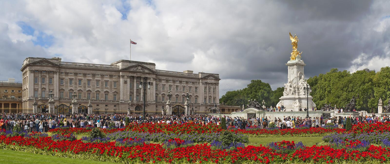 Buckingham Palace e memorial de Victoria foto de stock royalty free