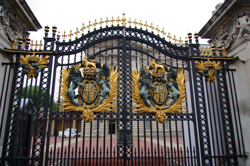 Download Buckingham Palace Gate stock image. Image of gold, crest - 185545
