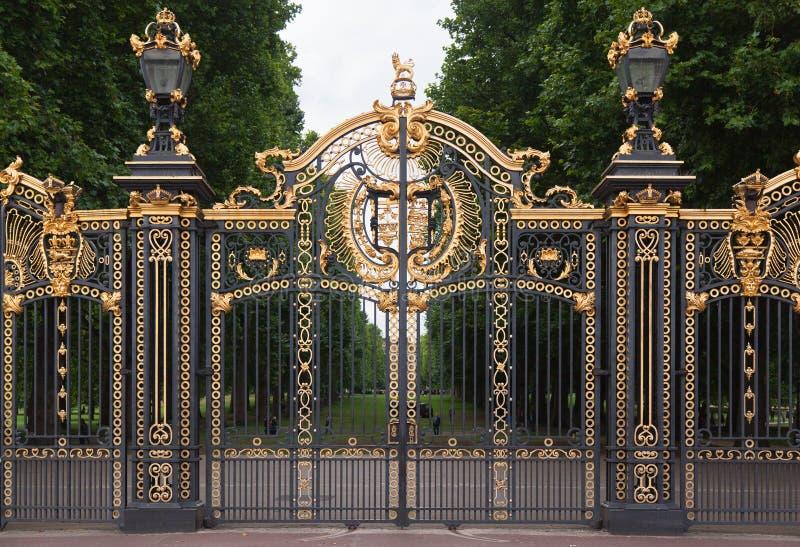 Buckingham palace gate london england stock photo image