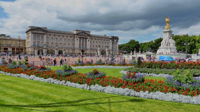 Buckingham Palace, Londen, Engeland stock afbeeldingen