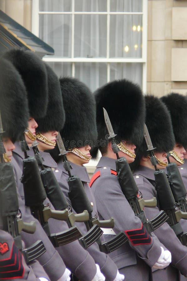 Buckingham Palace, Londen, het UK 15de Februaryy 2015 Ceremonie van de de winter de Veranderende Wacht bij Buckingham Palace royalty-vrije stock foto's