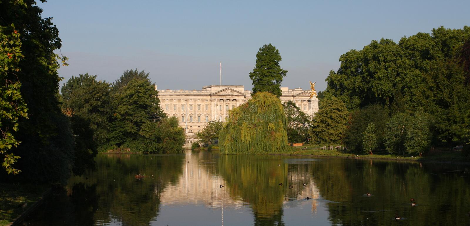 Download Buckingham Palace In London Stock Photo - Image: 20228410