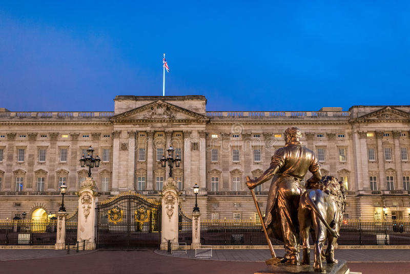 Buckingham Palace At Night Stock Image Image Of Historic