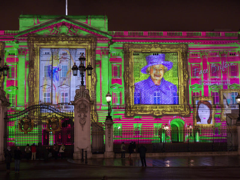 Download Buckingham Palace Projection Of Queen's Portrait Editorial Image - Image: 24460050