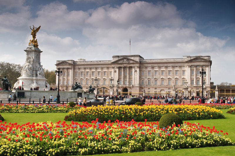 Download Buckingham Palace In Spring Stock Image - Image: 9093497