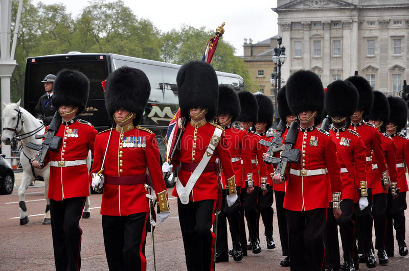 Buckingham Palace strażnika zmiana fotografia royalty free