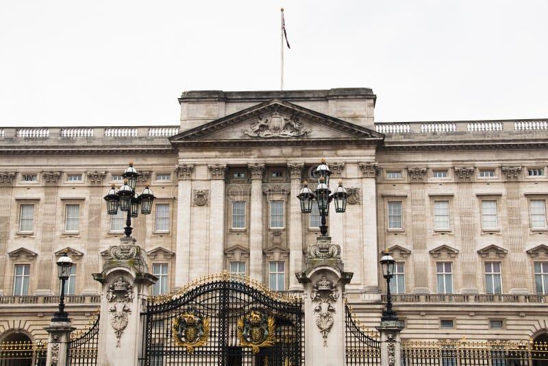 Download Buckingham Palace W Londyn, UK Obraz Stock - Obraz złożonej z królestwo, buckingham: 53777929