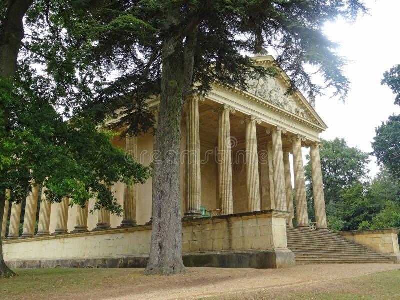 Buckinghamshire дома Stowe - неоклассический висок конкорда стоковое изображение rf