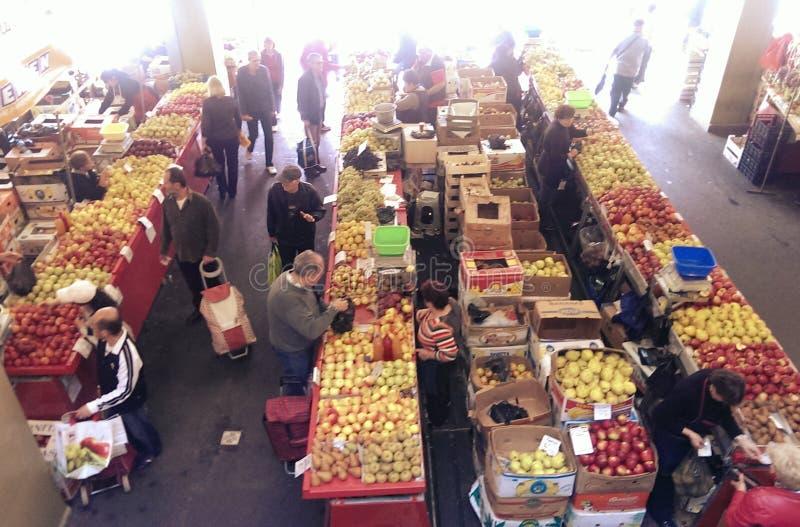 Bucur Obor marknad i Bucharest arkivfoto