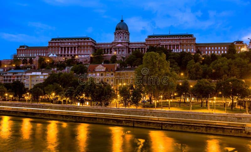 Buda Castle à l'aube, tôt le matin image libre de droits