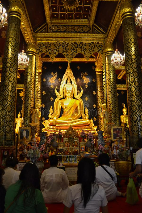 Buda Chinnarat de Phra, estátua da Buda no templo de Wat Phra Sri Rattana Mahathat, Phitsanulok imagem de stock royalty free