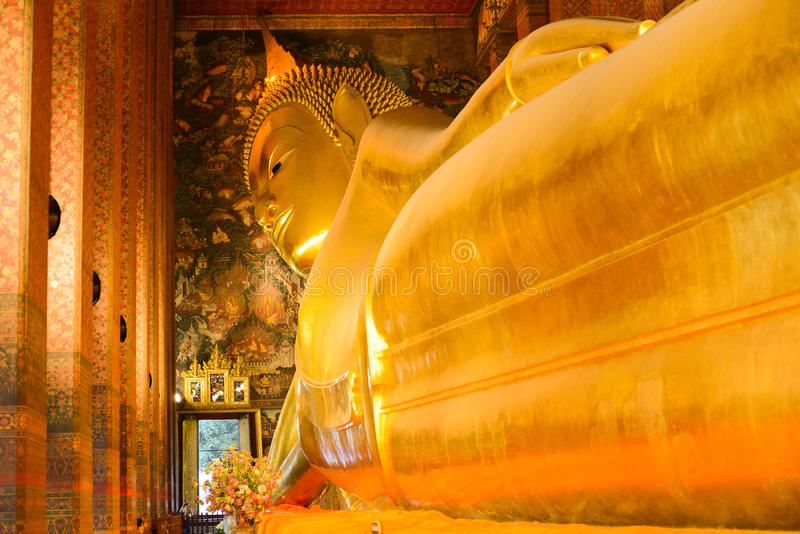 Buda de descanso Wat Pho fotos de archivo