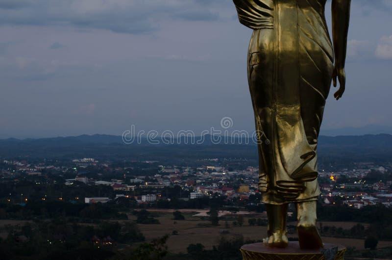 Buda de oro grande en el templo del norte fotografía de archivo libre de regalías