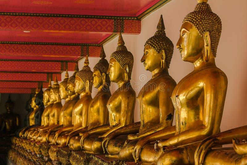 A Buda dourada é bonita que adoração dos budistas imagens de stock royalty free