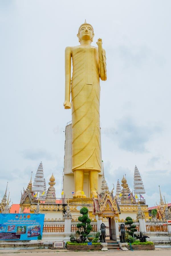 A Buda dourada gigante, budismo, Tailândia fotografia de stock