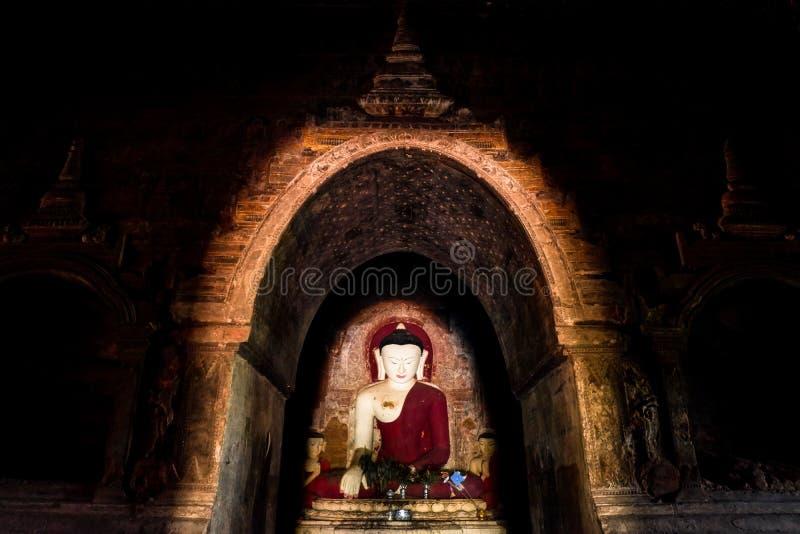 Buda em Bagan fotografia de stock royalty free