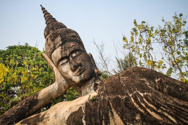 Buda empiedra la estatua, parque de Buda, Vientián, Laos fotografía de archivo